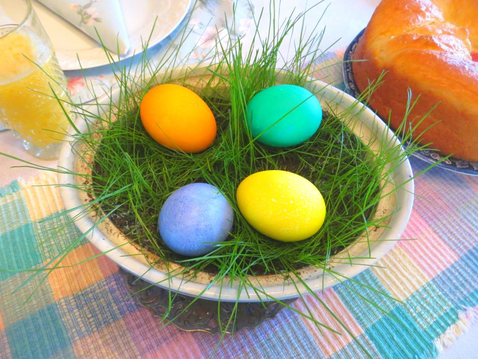 DYED EGGS 2